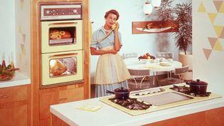 Une femme au foyer dans les années 50. (TOM KELLEY ARCHIVE / RETROFILE CREATIVE)