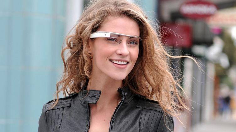 """Les """"Google Glasses"""", présentées le 4 avril 2012,sont encore à l'état de prototype. (AFP PHOTO / GOOGLE)"""
