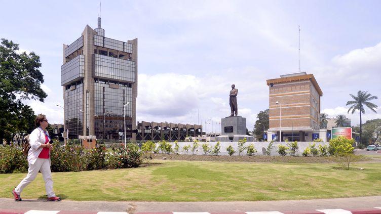 Statue deJacques Joachim Yhombi-Opango à Brazzaville, le 30 mars 2013. (JUNIOR D. KANNAH / AFP)