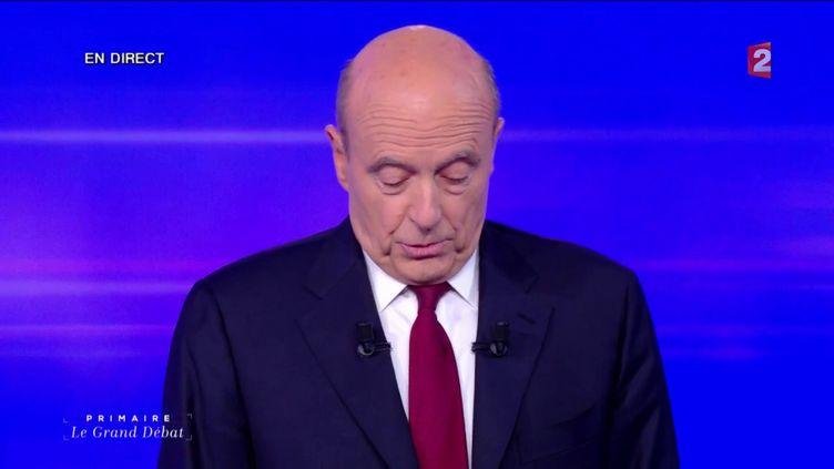 Alain Juppé, lors du dernier débat de la primaire de la droite, face à François Fillon, le 24 novembre 2016, sur France 2. (FRANCE 2)