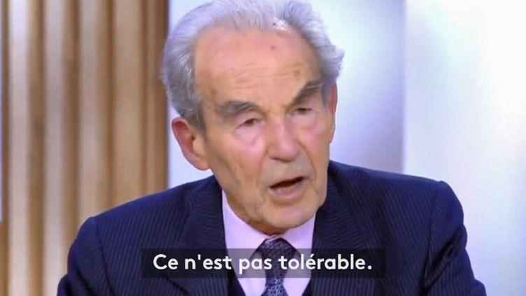 """L'ancien garde des Sceaux Robert Badinter, sur le plateau de """"C à vous"""" sur France 5, le 27 janvier 2020. (FRANCE 5)"""