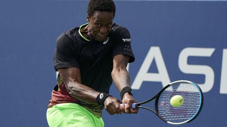 Gaël Monfils dispute le second tour de l'US Open face à l'Américain Steve Johnson. (TIMOTHY A. CLARY / AFP)