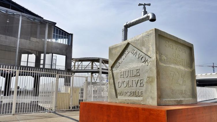 Le savon de Marseille géant de la Compagnie Générik Vapeur  (AFP / GERARD JULIEN)