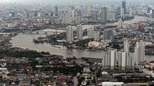 Bangkok, capitale de la Thaïlande, pays où un garçon français de 5 ans enlevé par son père a été retrouvé et ramené à sa mère dans le Cantal, en janvier 2016. (CHRISTOPHE ARCHAMBAULT / AFP)