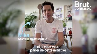VIDEO. Mika remplace les panneaux de pub des événements culturels annulés par des œuvres (BRUT)