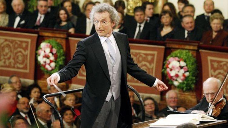 L'Autrichien Franz Welser-Möst lors du Concert du Nouvel An 2011  (Dieter Nagl / AFP)