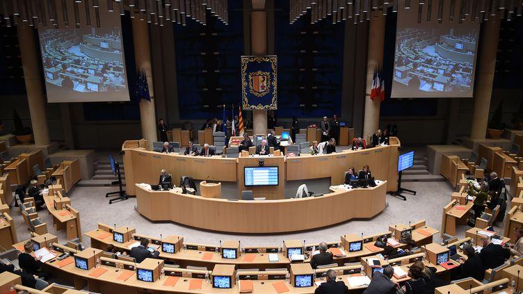 Le conseil régional deProvence-Alpes-Côte d'Azur, le 16 octobre 2015. (BORIS HORVAT / AFP)