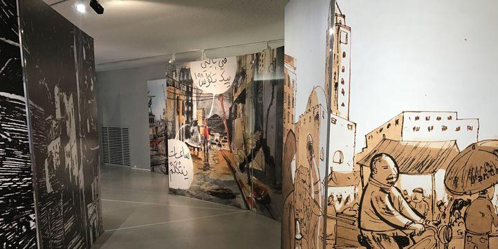 La scénographie de l'exposition Nouvelle génération de la Bande dessinée arabe, met en scène la ville - Angoulême 2018  (Laurence Houot / Culturebox)
