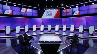 """Le plateau de l'émission """"15 minutes pour convaincre"""", qui se déroulera jeudi 20 avril en direct sur France 2. (FRANCETELEVISIONS)"""