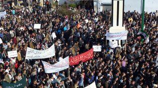 Manifestations contre le président syrien, Bachar Al-Assad, dans la ville de Hula, près de Homs, le 3 février 2012. (REUTERS)
