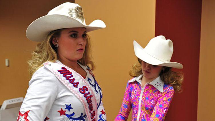 Deux sœurs concourent pour le titre de Mini-Miss Floride, le 14 février 2012. L'image des compétitions organisées aux Etats-Unis nuit aux concours organisés en France, estime Michel Le Parmentier, organisateur de Mini-Miss France. (OCTAVIAN CANTILLI / REUTERS)