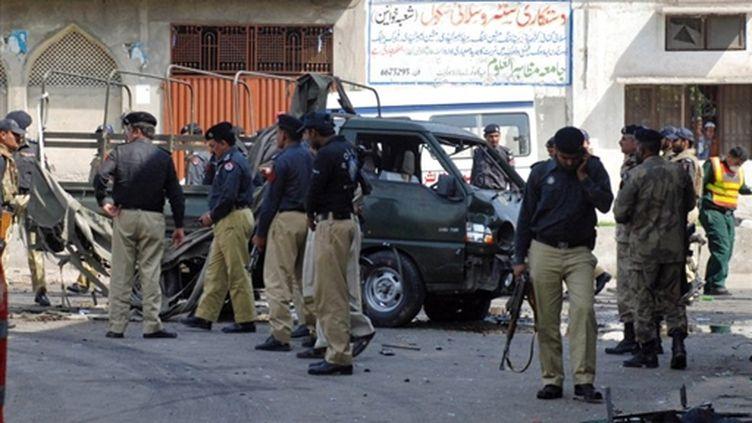 Double attentat meurtrier à Lahore, au Pakistan, le 12 mars 2010. (AFP PHOTO/STR)