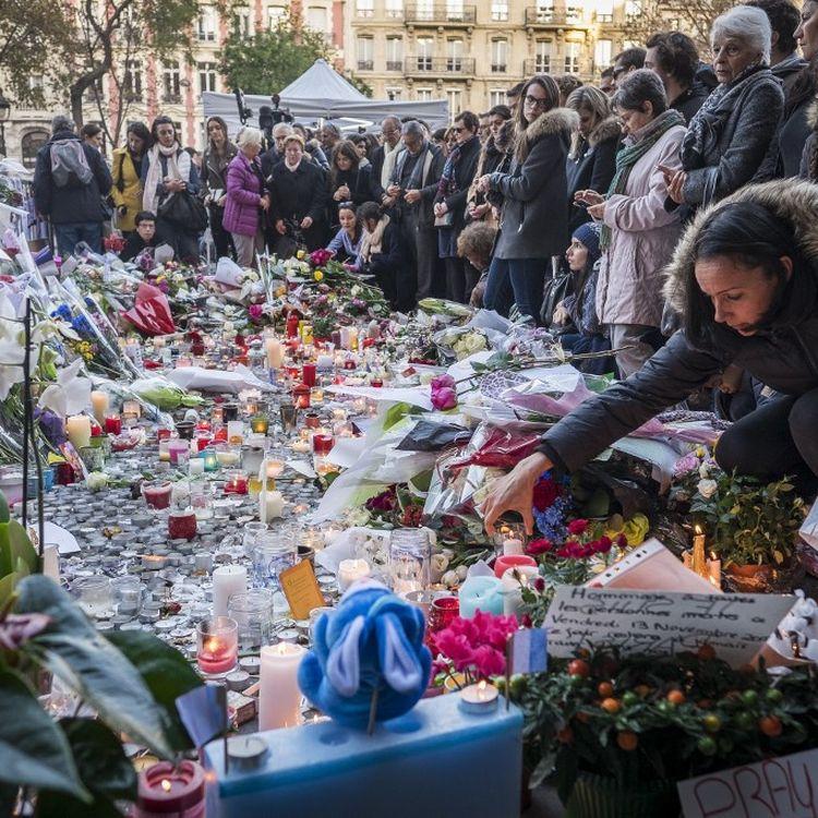 Le boulevard Richard-Lenoir, à Paris, à quelques mètres du Bataclan, le 15 novembre 2015. (OLIVIER DONNARS / NURPHOTO / AFP)