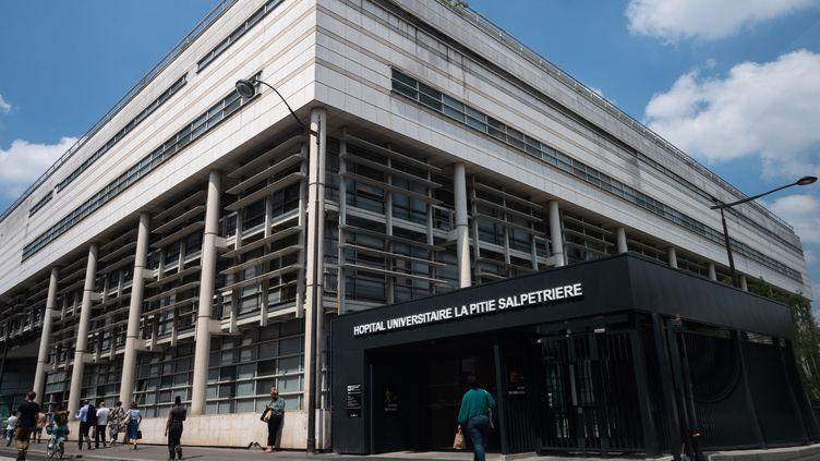 L'une des entrées de l'hôpital de la Pitié-Salpêtrière à Paris, le 8 juin 2021. (RICCARDO MILANI / HANS LUCAS / AFP)