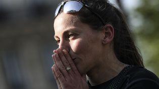 Clémence Calvin au marathon de Paris, le 14 avril 2019. (KENZO TRIBOUILLARD / AFP)