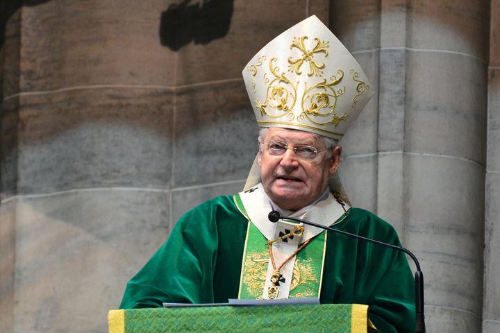 Le cardinal italien Angelo Scola lors d'une messe à Milan (Italie) le 12 février 2013. (GIUSEPPE CACACE / AFP)