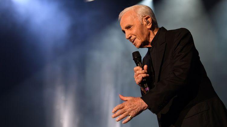 Charles Aznavour à Bercy (AccorHotels Arena) le 13 décembre 2017  (Eric Feferberg / AFP)