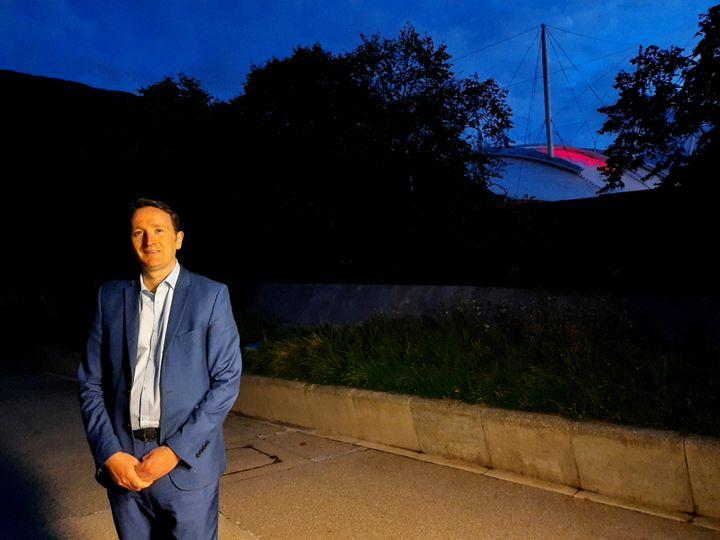 Fulton McGregor, député du Parti national écossais, à Edimbourg. Octobre 2020 (RICHARD PLACE / FRANCEINFO / RADIO FRANCE)