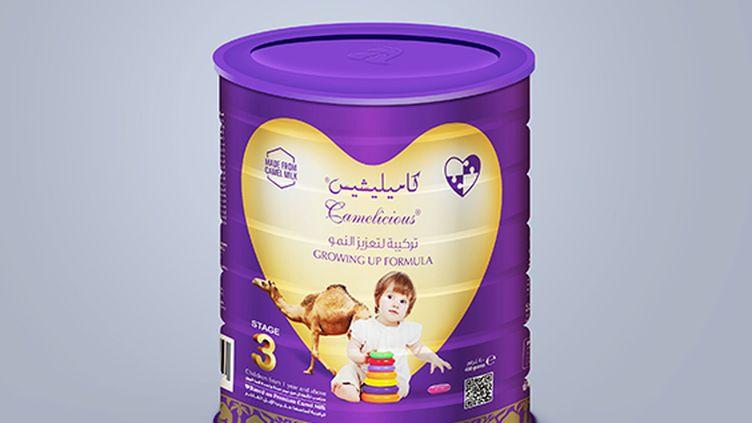 """Une entreprise basée aux Emirats arabes unis vante son dernier produit, qui est selon elle le""""premier lait instantané pour bébés au monde à base de lait de chamelle"""". (EMIRATES INDUSTRY FOR CAMEL MILK AND PRODUCTS)"""