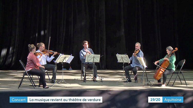 Les musiciens de l'Orchestre Pau Pays de Bearn en concert gratuit au théâtre de verdure (France 3 Nouvelle Aquitaine)