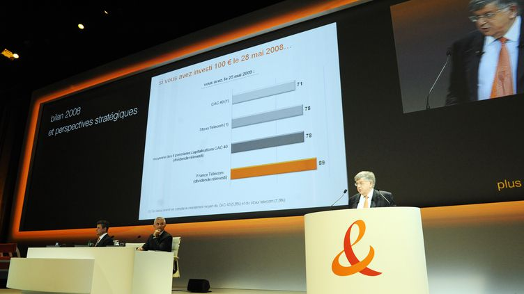 Didier Lombard, PDG de France Télécom, présente les résultats annuels du groupe, le 26 mai 2009 à Paris. (STEPHANE DE SAKUTIN / AFP)