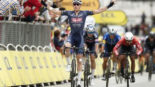 Tim Merlier (Alpecin Fenix) a remporté la 3e étape du Tour de France au sprint, lundi 28 juin 2021. (BENOIT TESSIER / AFP)