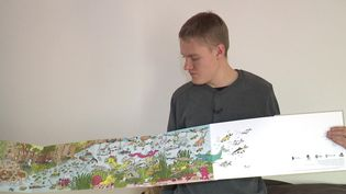 """""""Robin et Tom dans le Marais poitevin"""" un livre accordéon peuplé d'animaux et de couleurs (J. Bouchon / France Télévisions)"""