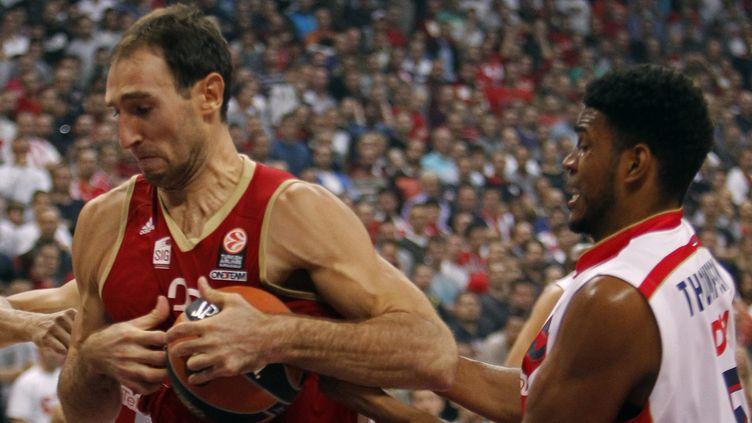Vladimir Golubovic et ses équipiers strasbourgeois ont démarré leur campagne européenne par une lourde défaite  (KOCA SULEJMANOVIC / EPA)