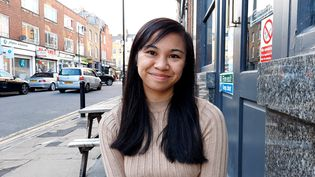 Danica Marcos, Londonienne de 22 ans, volontaire recrutée par l'ONG 1Day Sooner. (Richard Place / Franceinfo / Radio France)