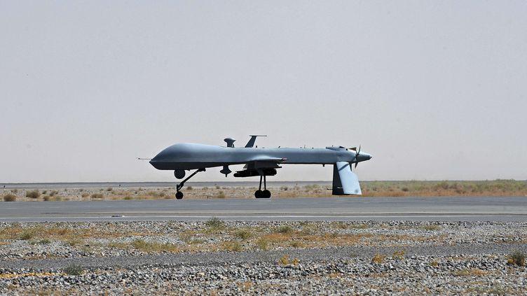 Un drone américain Predator, le 13 juin 2010 à Kandahar (Afghanistan). (MASSOUD HOSSAINI / AP / SIPA)