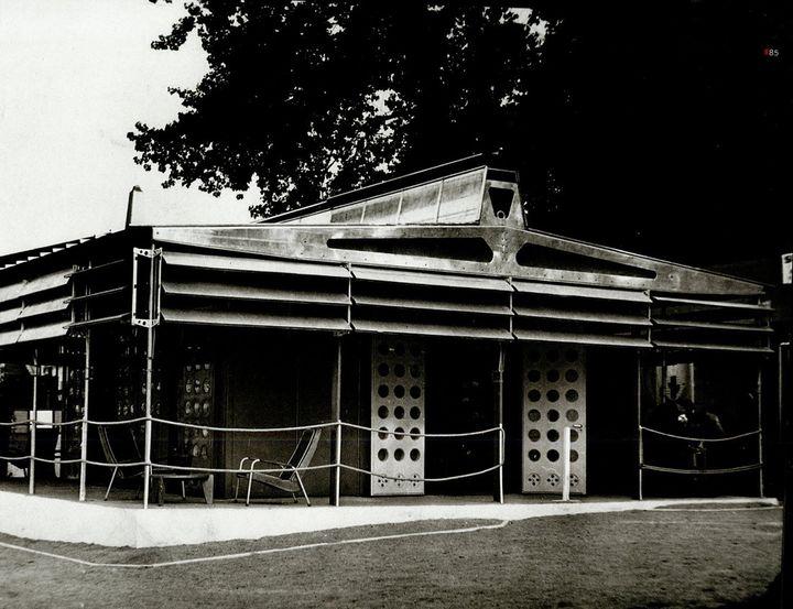 La Maison tropicale construite en 1949 à Niamey au Niger  (wikiarquitectura)