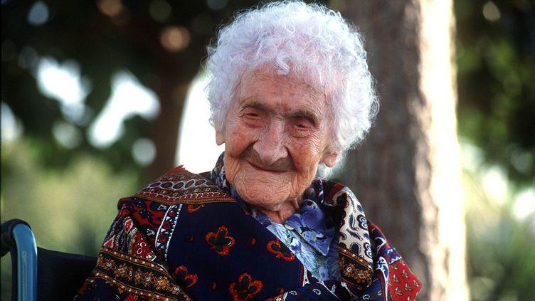 Jeanne Calment, la doyenne de l'humanité morte à 122 ans, le 17 octobre 1995 à Arles (Bouches-du-Rhône). (TSCHAEN /SIPA / SIPA)