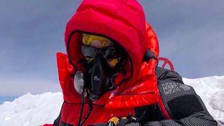 À 27 ans, Hélène Drouin est devenue la plus jeune femme à avoir atteint le sommet de l'Everest. Quelques jours après son exploit, les équipes de France 3 sont allées à la rencontre de cette sportive émérite, qui est aussi soignante au CHU de Dijon (Côte-d'Or). (FRANCE 3)