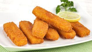Les poissons panés, préférés de nos enfants, combien de poisson contiennent-ils ?  (JOSEF MOHYLA / E+ / GETTY IMAGES)