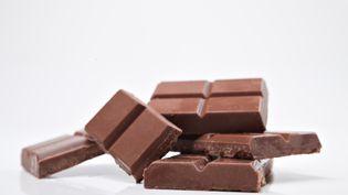 Le géant alimentaire américain Mondelez International a annoncé qu'il avait inventé un chocolat qui ne fond pas, le 6 juin 2013. (ALBERTO L POMARES G / DIGITAL VISION / GETTYIMAGES)