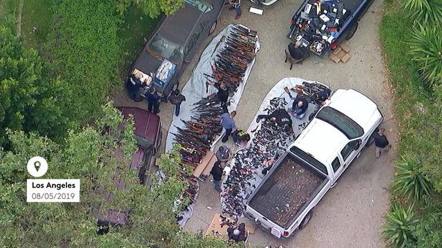 États-Unis : plus de 1 000 armes à feu découvertes dans une maison cossue