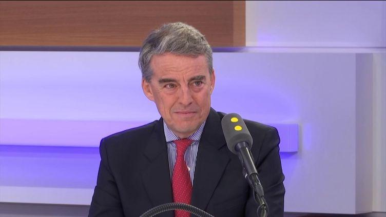 Alexandre de Juniac, directeur généraldel'Association internationale du transport aérien, invité éco de franceinfo mercredi 26 février 2020. (FRANCEINFO / RADIOFRANCE)
