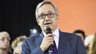 Francis Chouat,lors de la campagne pour les élections législatives partielles de la première circonscription de l'Essonne dimanche 18 novembre 2018. (BERTRAND GUAY / AFP)