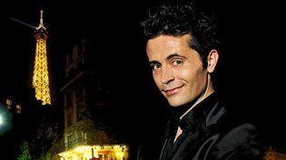 Avec son spectacle, Olivier Giraud s'amuse (en anglais !) des clichés qui collent à la peau des Parisiens  (DR)