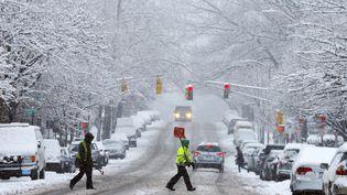 Une rue enneigée de Cambridge, dans le Massachusetts (Etats-Unis), le 24 janvier 2015. ( BRIAN SNYDER / REUTERS )