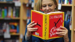 """""""Casual vacancy"""", le livre pour adultes de l'auteur d'Harry Potter démarre sans folie dans les librairies  (Carl Court / AFP)"""