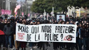 Manifestation contre les violences policières à Nantes, le 11 février 2017. (JEAN-SEBASTIEN EVRARD / AFP)