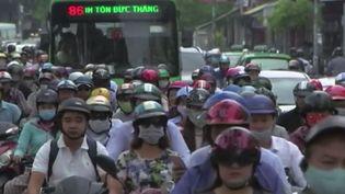 Automobilistes à Hô-Chi-Minh-Ville, au Vietnam. (FRANCE 2)