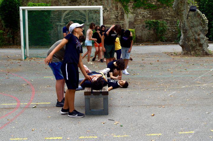 Les collégiens en séjour au lycée Saint Joseph dans le cadre du festival d'Avignon. (JEREMIE LAURENT-KAYSEN)