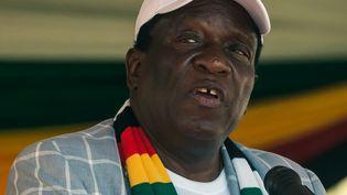 Au cours d'une réunion publique à Harare, le 25 octobre 2019, le président zimbabwéenEmmerson Mnangagwa a demandé la levée des sanctions économiques occidentales. (JEKESAI NJIKIZANA / AFP)