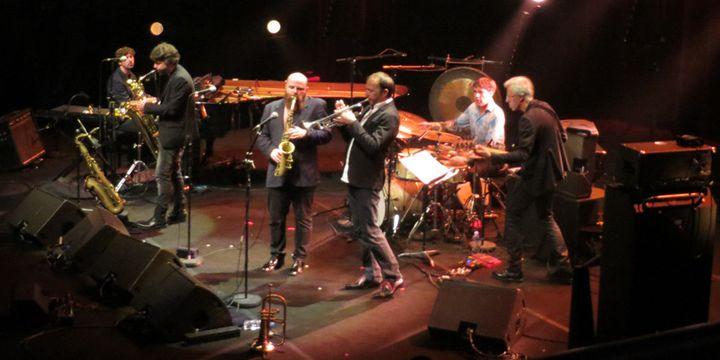 Arnaud Roulin, Laurent Bardainne, Thomas de Pourquery, Fabrice Martinez, Edward Perraud et Bruno Chevillon  (Annie Yanbékian)
