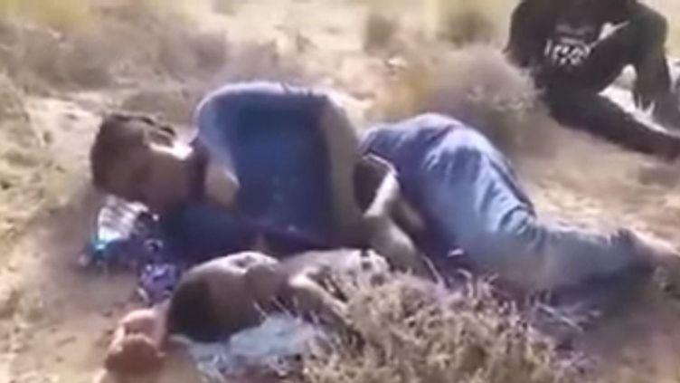 Capture d'écran sur You tube du document vidéo filmé par les migrants ivoiriens dans le désert libyen, le 4 août 2019. (Youtube)