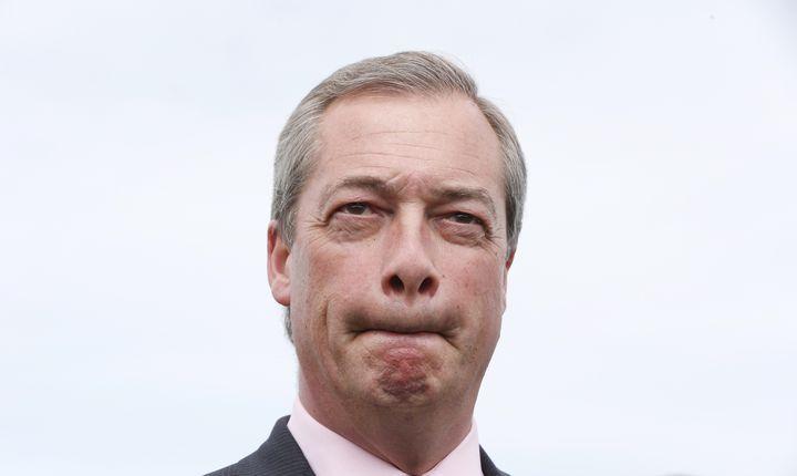 Nigel Farage annonce sa démission de la tête du Ukip, le 8 mai 2015, à Broadstairs (Royaume-Uni). (SUZANNE PLUNKETT / REUTERS)