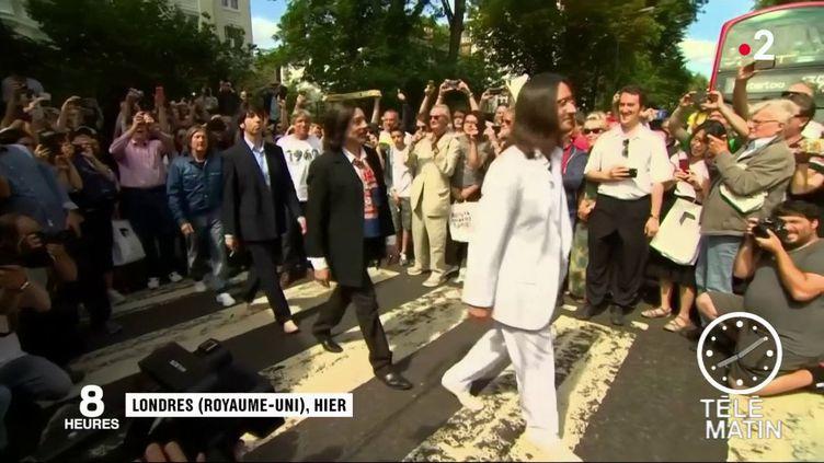 Des fans des Beatles au Royaume-Uni. (Fra nce 2)
