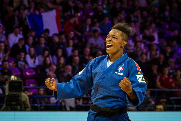 Audrey Tcheuméo après sa victoire l'an dernier à Varsovie (WOJTEK RADWANSKI / AFP)